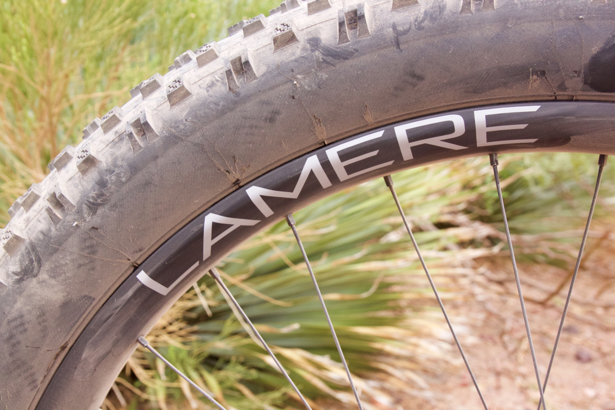 Lamere branded carbon rims.