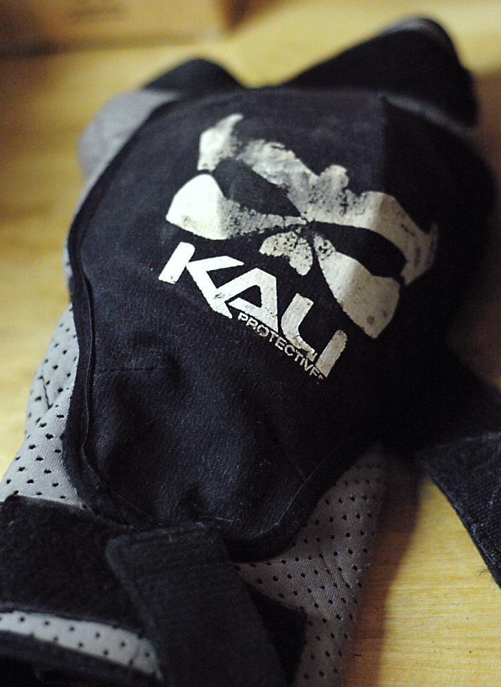 Kali Protectives Aazis Soft Knee