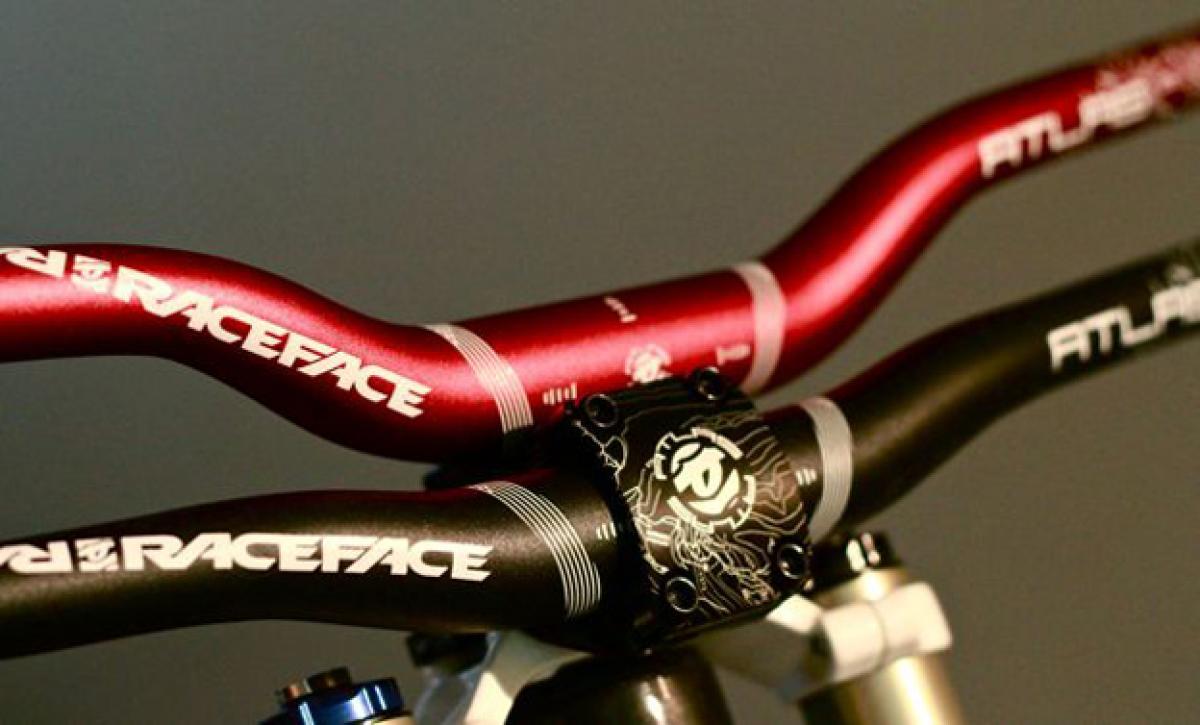 RaceFace Altas 1//2 Riser Bar Red 31.8 x 785mm width