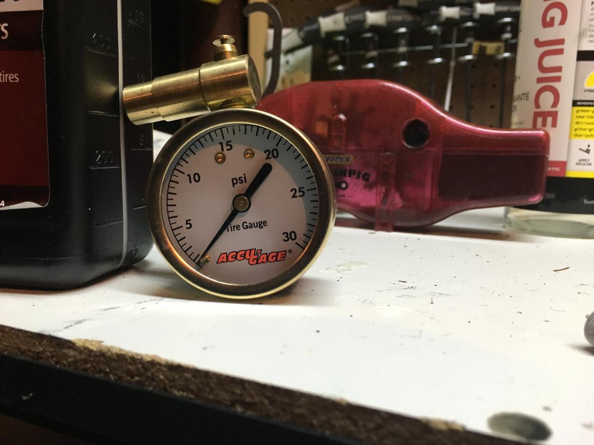 Accu-Gauge 0-30psi tire pressure gauge