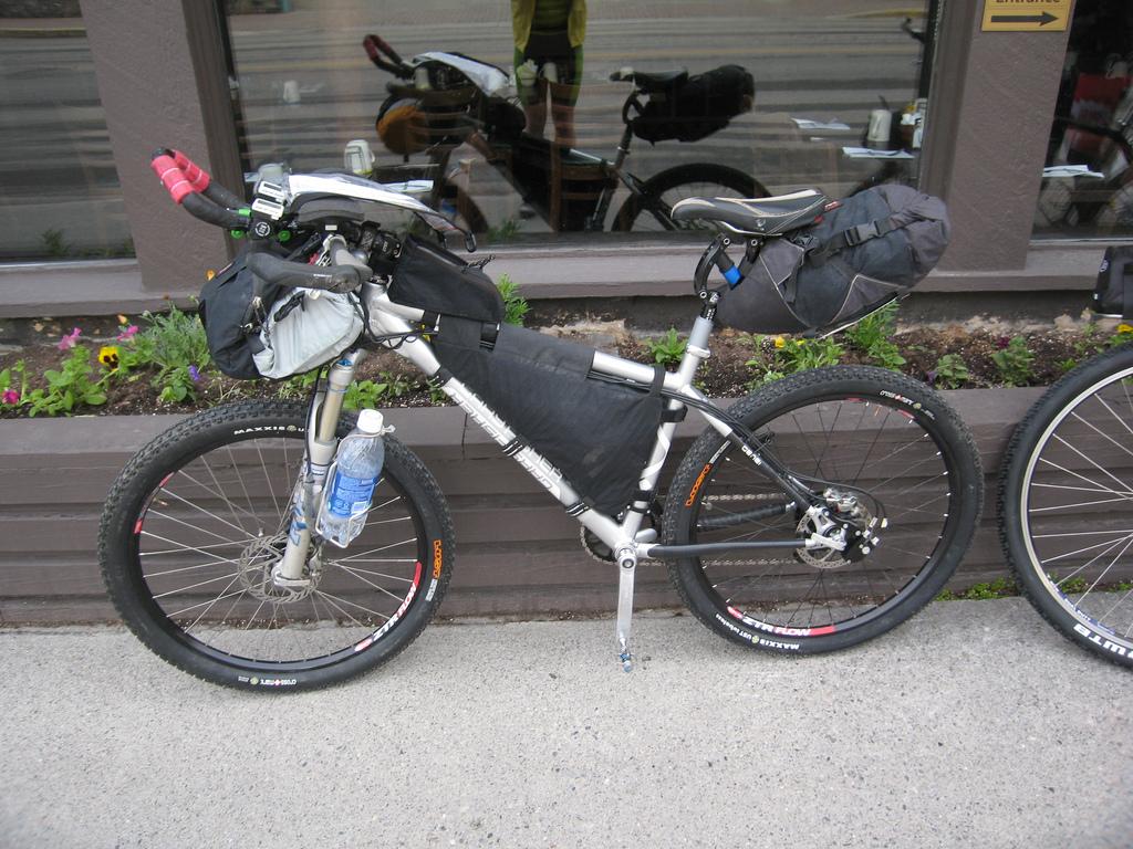 StephenHuddle_03 - Singletracks Mountain Bike News