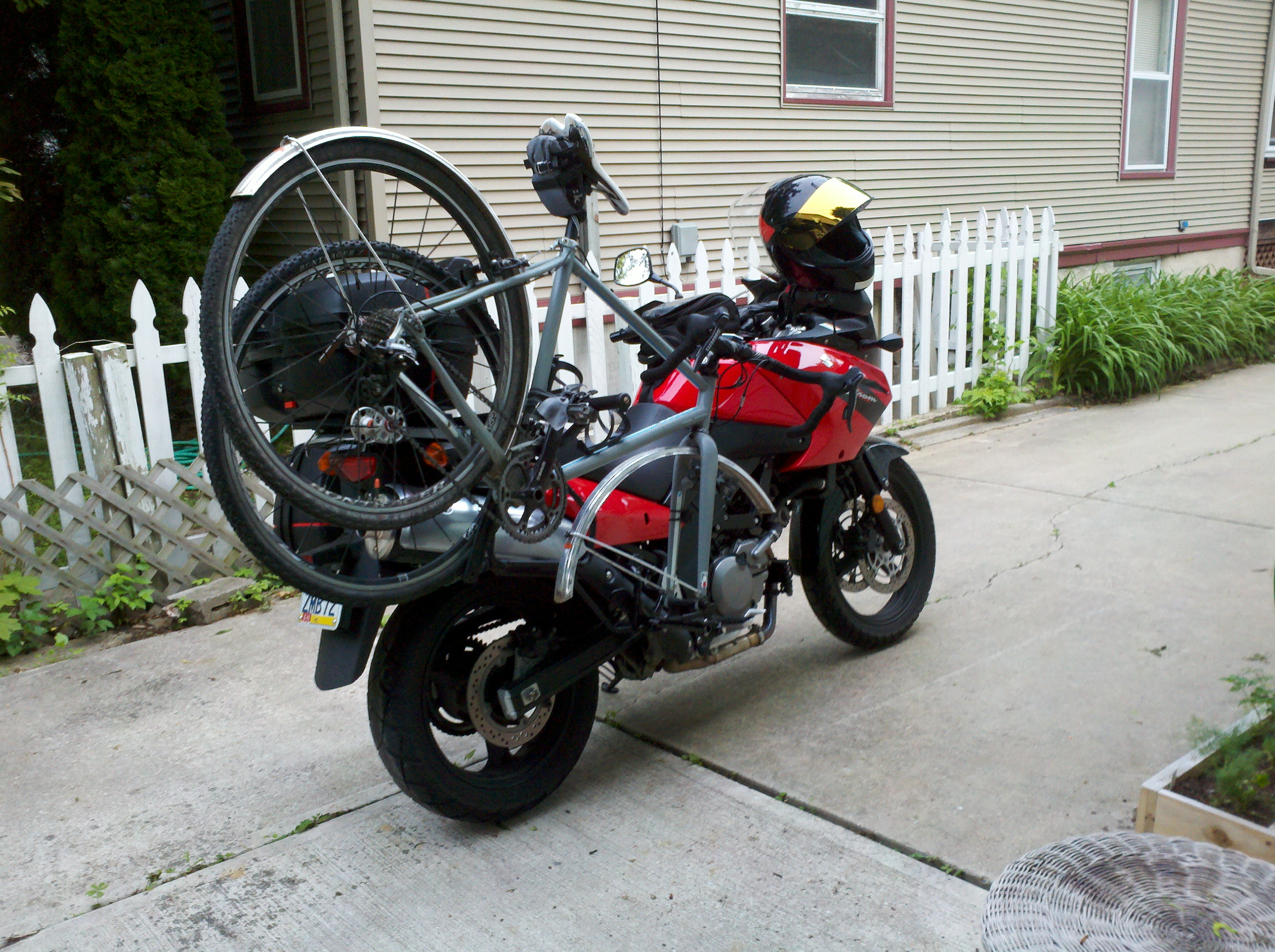 Crackpot Engineering How To Carry A Bike On A Motorcycle