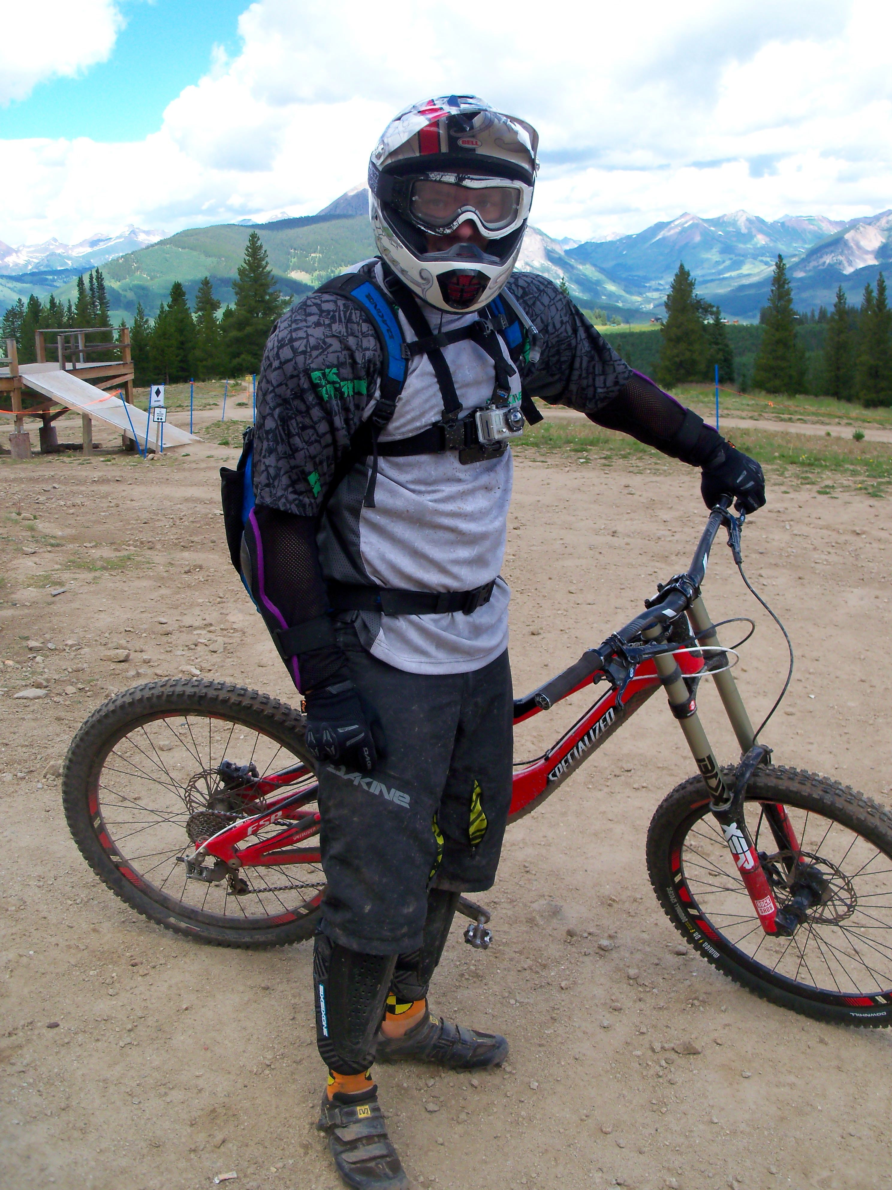 Dakine syncline mtb short review singletracks mountain for Craft mountain bike clothing