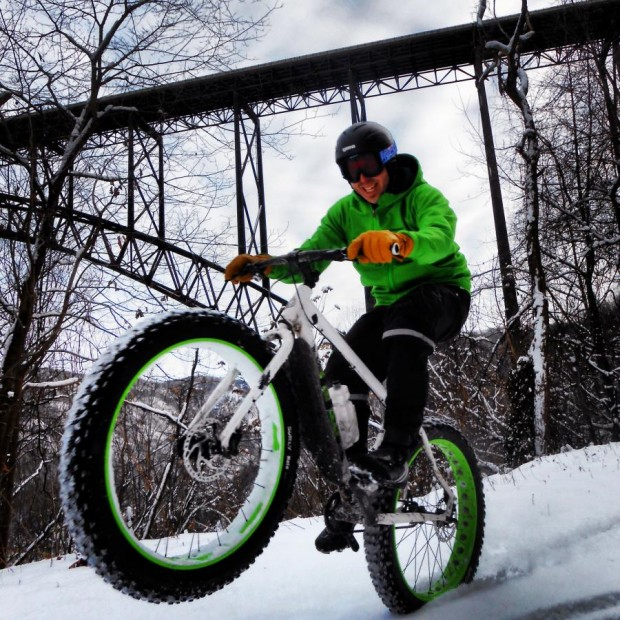 Fun snowy ride in the New River Gorge, Fayetteville, WV. Rider: Andrew Forron. Photo: Mike Boyes.