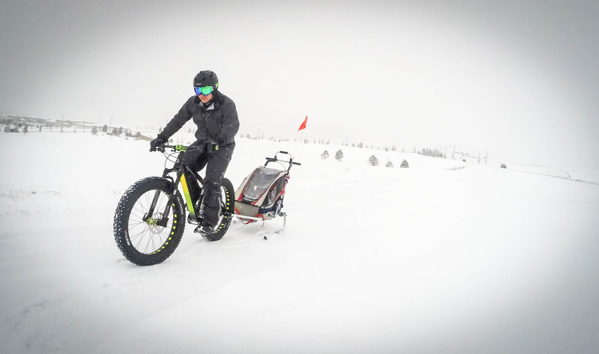 Riding on sidewalks with 1-2 inches of soft powder is a perfect way to get out and enjoy fat biking with your kids and get some excercise