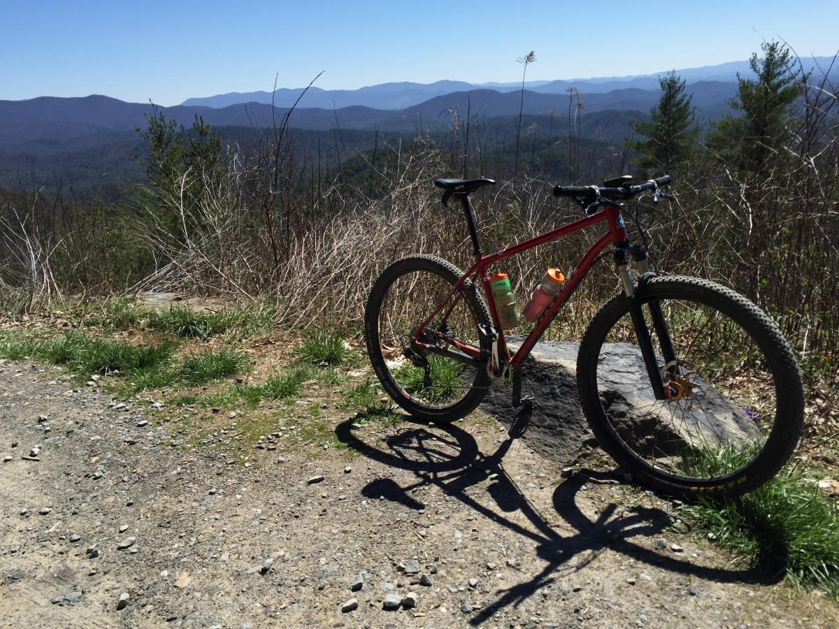 Obligatory bike at Bear Creek Overlook picture
