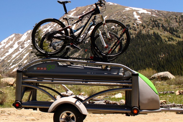 Review Yakima FrontLoader Universal Bike Tray & Yakima Pitches the SkyRise a Rooftop Tent - Singletracks Mountain ...