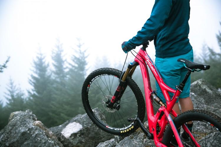 News: Yeti Releases New SB5c 27 5/650b Trail Bike with New Switch