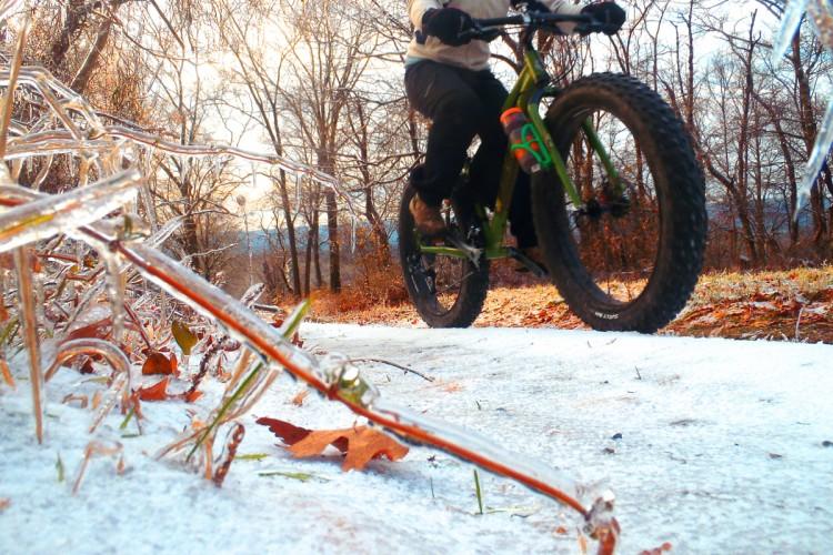 What to Wear for Winter Biking - Singletracks Mountain Bike News 33c236ca9