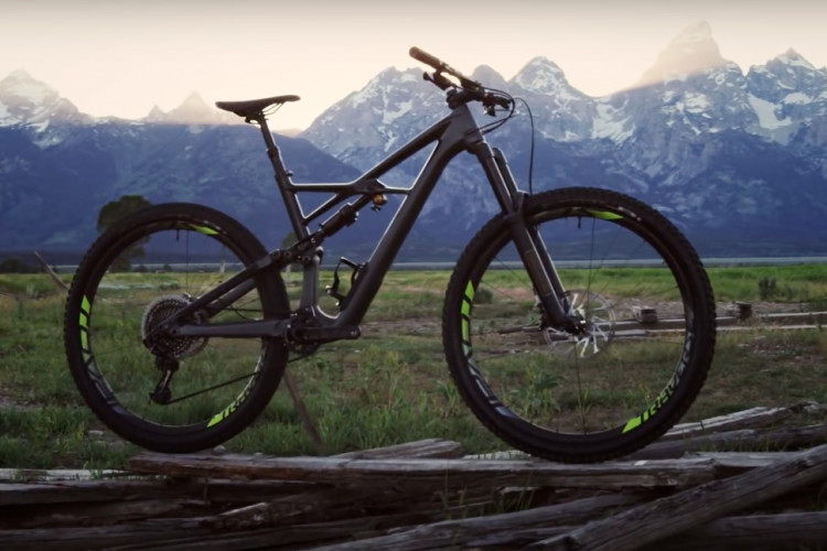 Top 10 Enduro And All Mountain Bikes Of 2017 According To