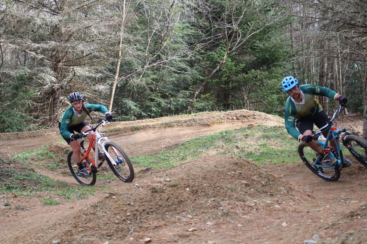 """""""LMC team riders, Phil Kmetz and Hailey Sarausky, ripping the slalom course."""" Photo: Skills with Phil"""