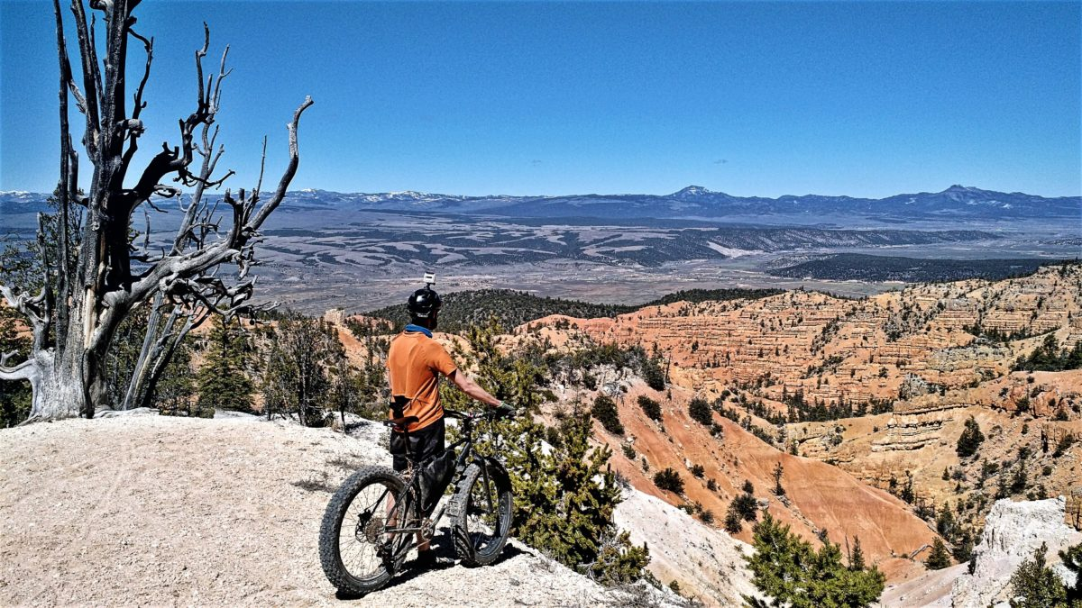 Taking in the views on Thunder Mountain in Utah, north of Bryce. Photo: Ron Cooper