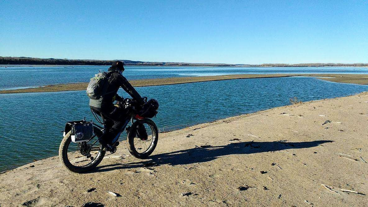 Joe - bikepacking sand 2