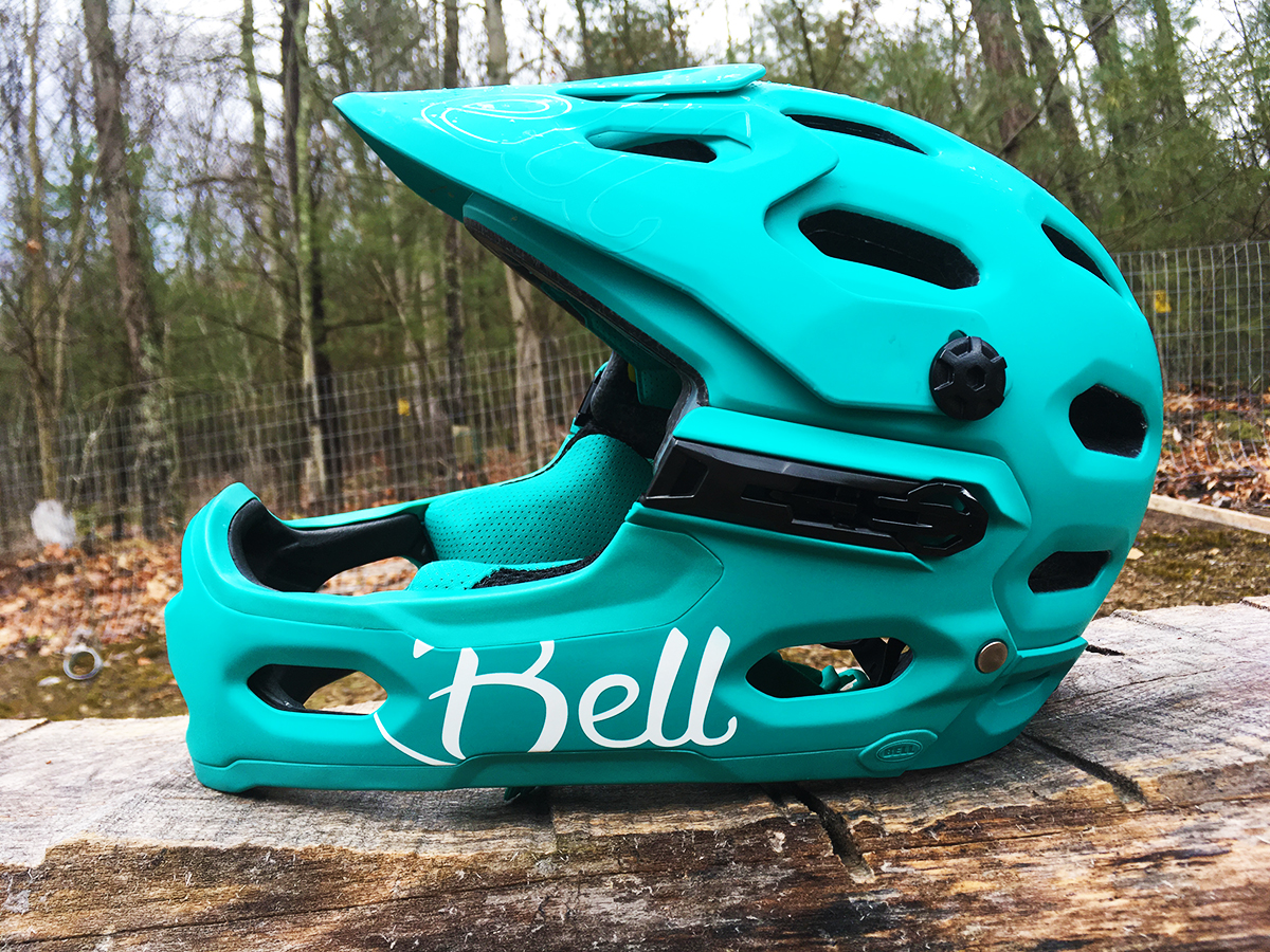The New Bell Super 3R Full Face Mountain Bike Helmet - Reviewed - Singletracks Mountain Bike News