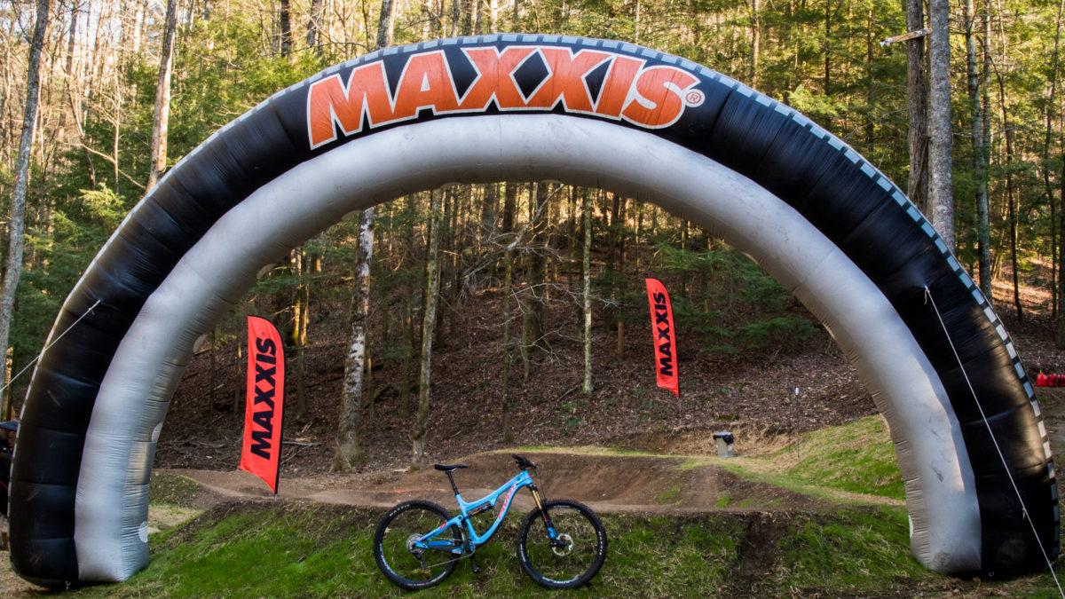 2017 Maxxis Summit