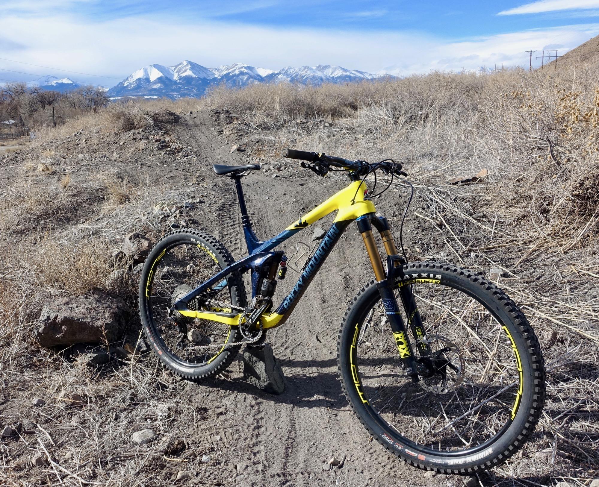 25628edf9ba Rocky Mountain Slayer 790 MSL Review - Singletracks Mountain Bike News