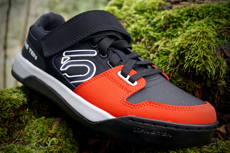 Review The Revamped Five Ten Hellcat Shoe Singletracks