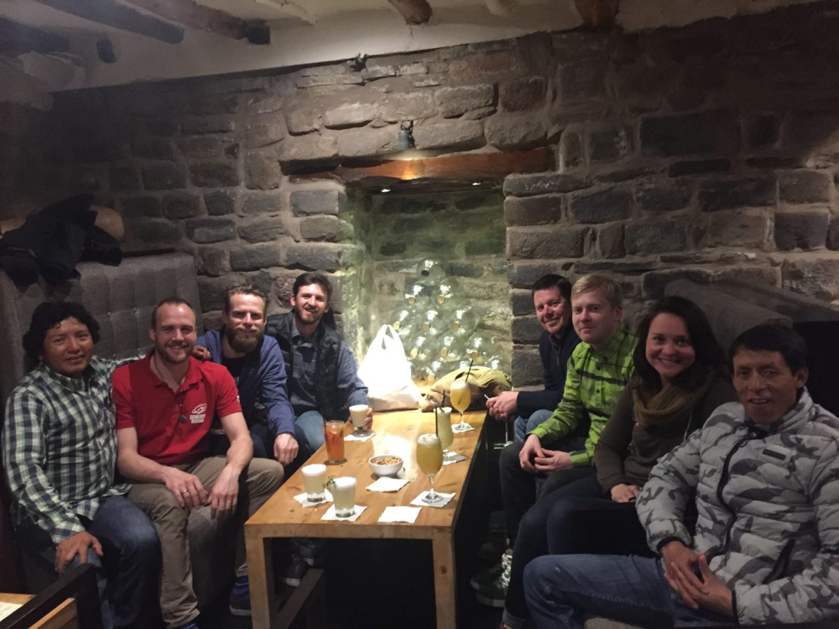Enjoying well deserved Pisco Sours. From left to right: Xavier, Kim, Claus, Dave, Ryan, Matti, Emily, Ruso