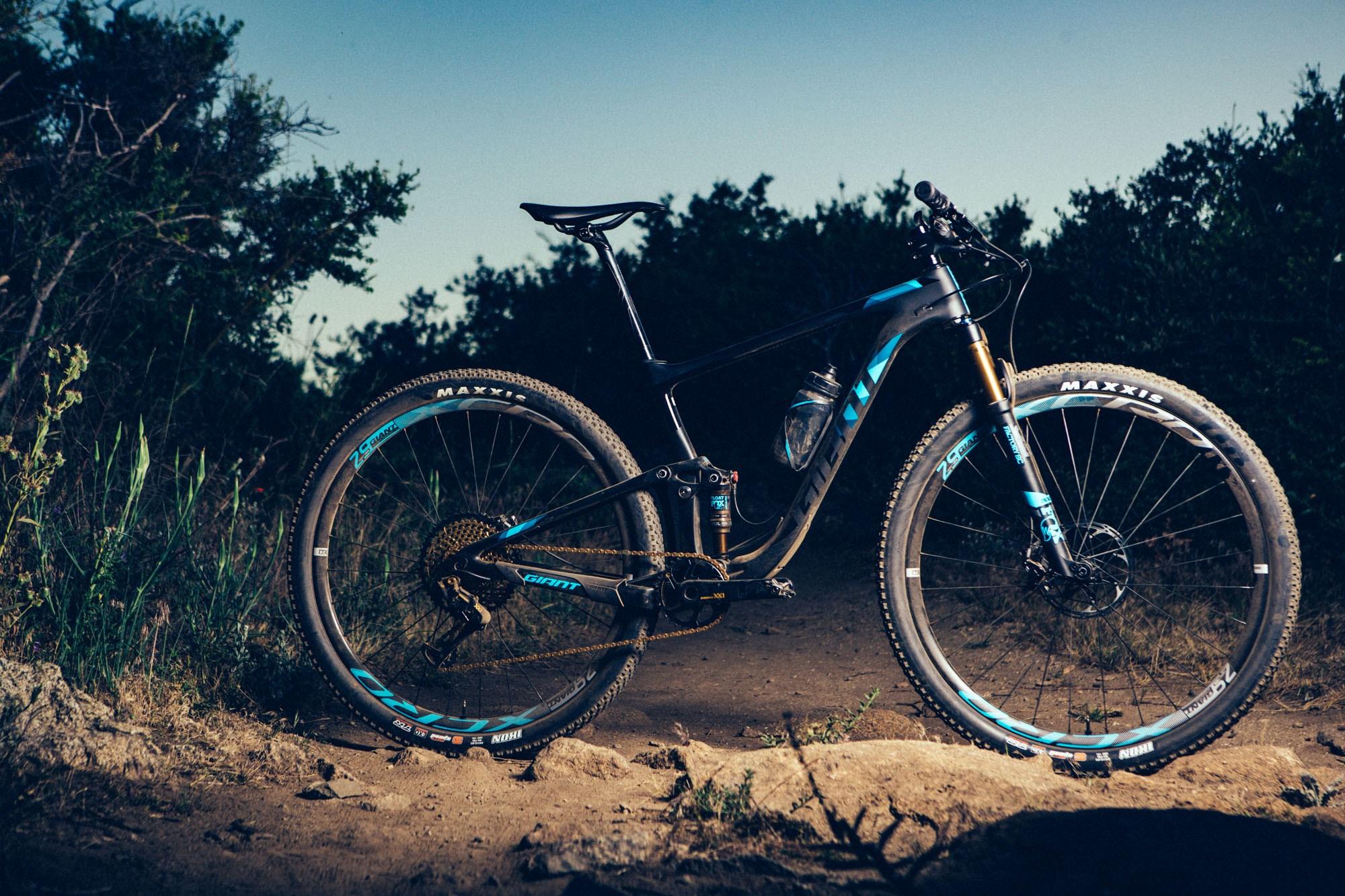 Giant Releases All New Anthem 29 Xc Race Bike Singletracks