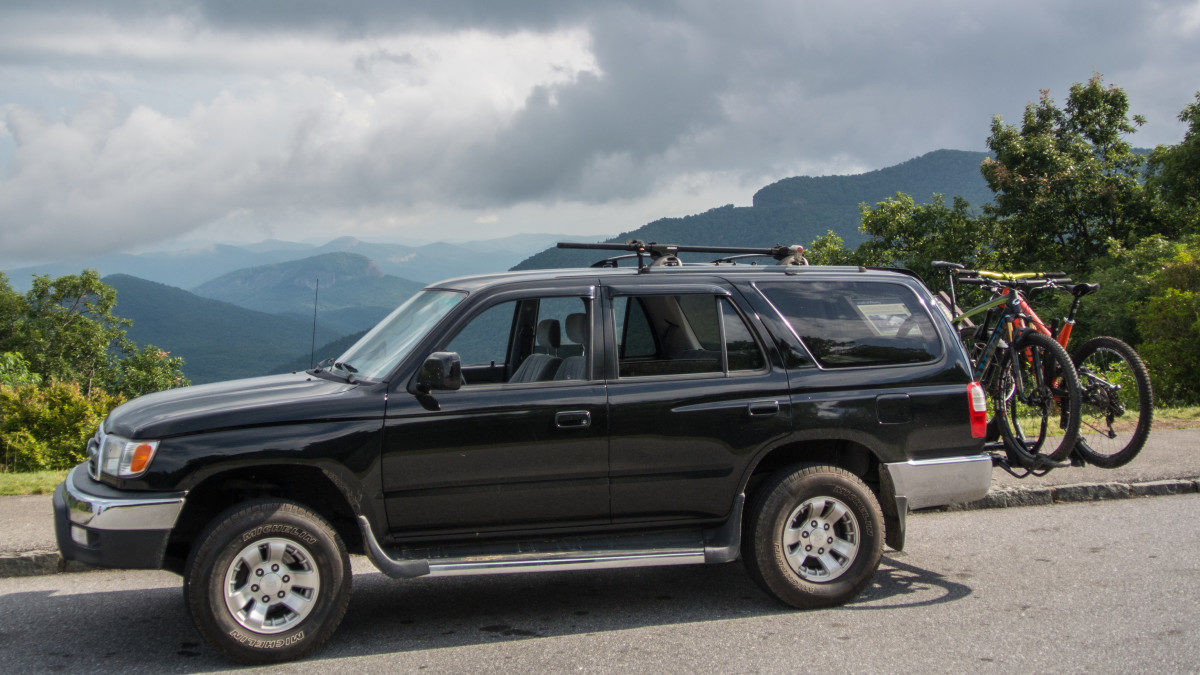 How To Safely Transport Your Mountain Bikes on a Long Distance Road Trip -  Singletracks Mountain Bike News