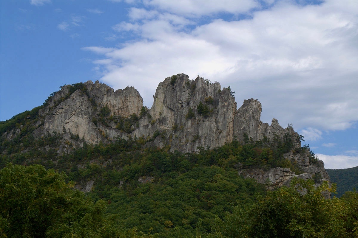 seneca rocks muslim dating site Numbers game: classic sandbags at 4 historic crags author:  with its heritage dating back to the 1930s in  towering fins of seneca rocks stand testament to.