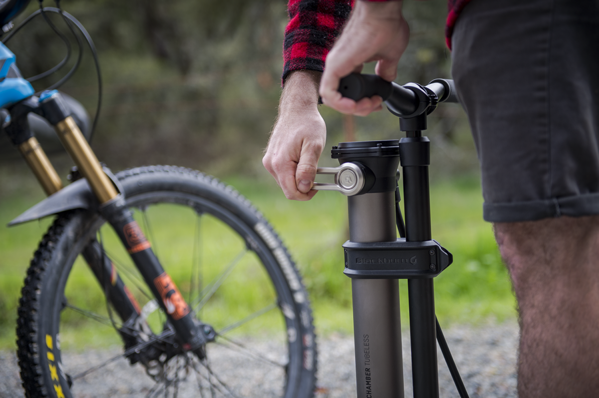 New Chamber Tubeless Pump And Countdown 1600 Light From