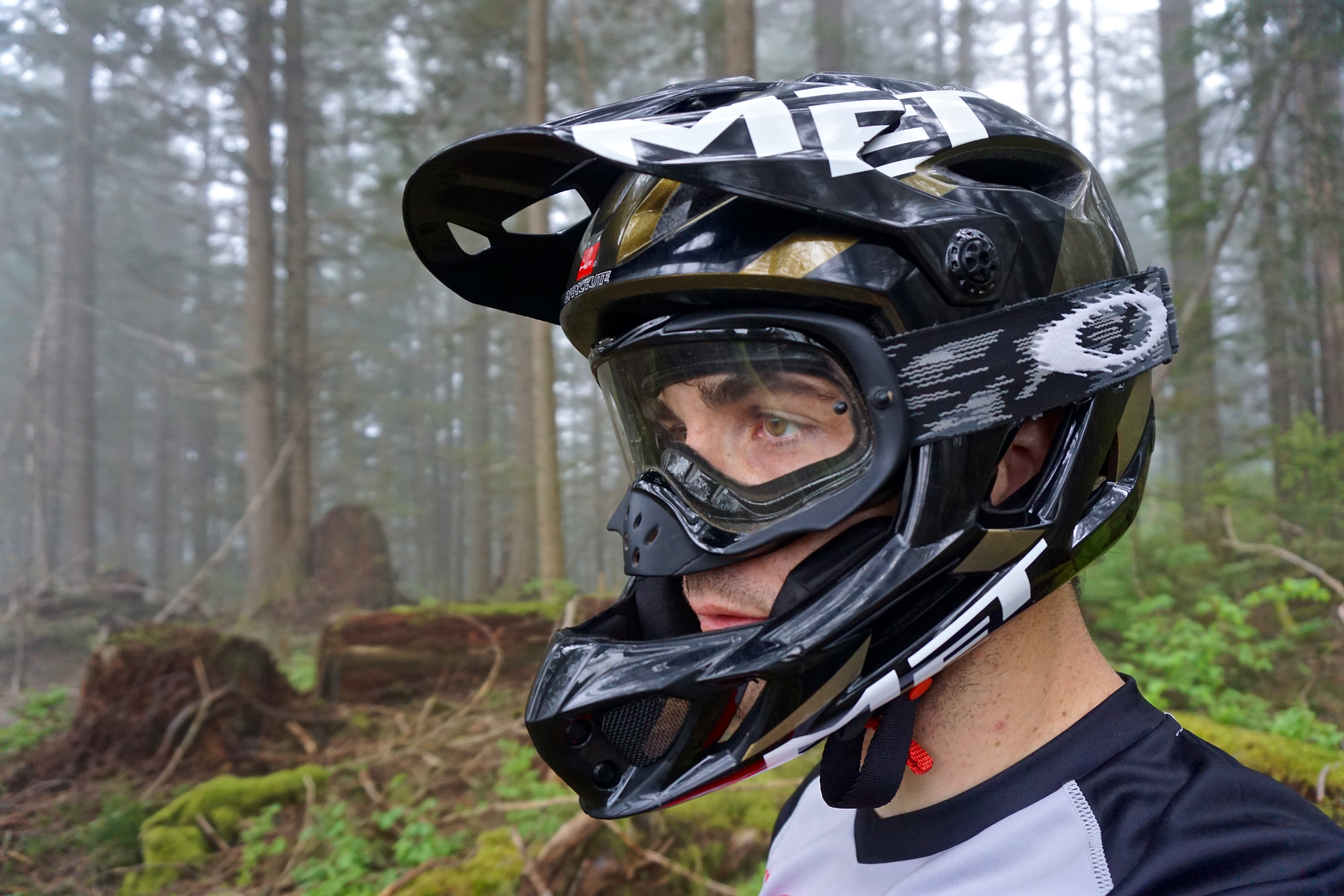 The Lightest Full Face Helmet In The World Met Parachute Review