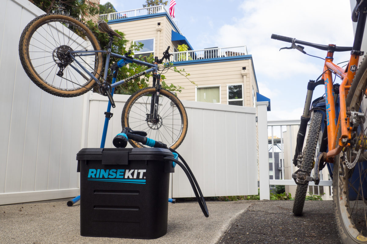 How to Easily Clean Your Bike Without a Hose - RinseKit Review ...