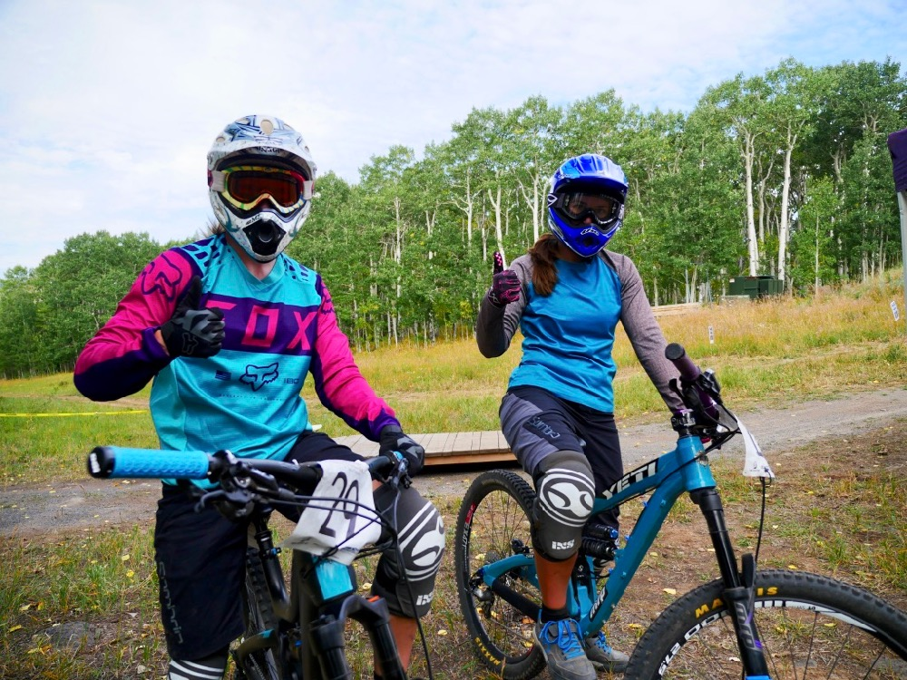 Women Mountain Biking Powderhorn Yeti