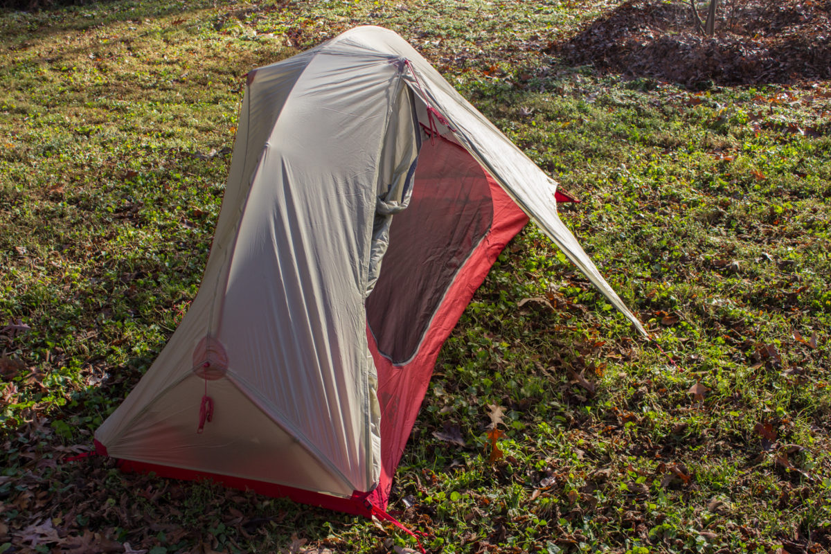 A decent-sized vestibule gives you room to keep your gear dry (photo Aaron Chamberlain) & Ultralight Bikepacking Tent: MSR FreeLite 1 Review - Singletracks ...