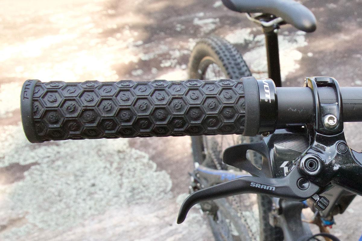 Mountain bike and bmx lock on grips