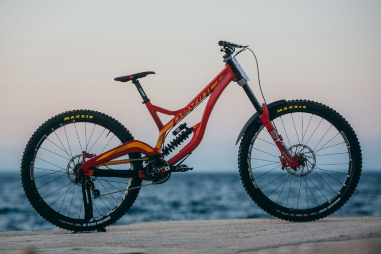 The New Gt Fury Downhill Bike Works With 29 And 27 5 Inch