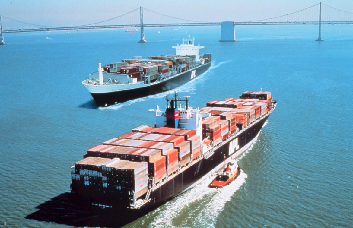 https://upload.wikimedia.org/wikipedia/commons/2/2d/Container_ships_President_Truman_%28IMO_8616283%29_and_President_Kennedy_%28IMO_8616295%29_at_San_Francisco.jpg