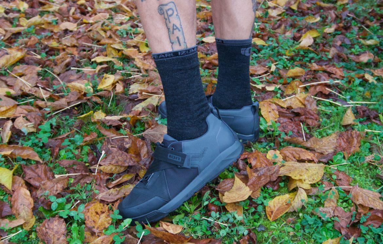 ffdc7437a90 ION s Rascal Clipless MTB Shoe Has Stiff Sole