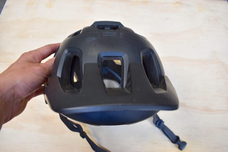 The Endura Singletrack II Is a Well-Vented, Budget-Friendly Trail/Enduro Helmet