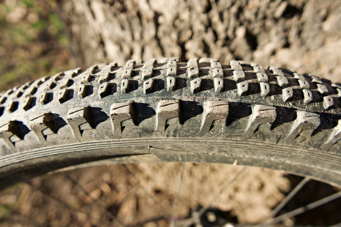 Review: New Semi-Slick MTB Tire from e*thirteen Boasts Grippy Corners With a Ripping Fast Center