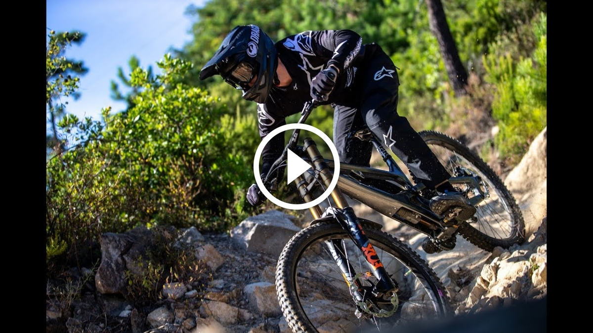Watch: Cannondale Factory Racing Downhill Tests Separated Damper / Spring Combo