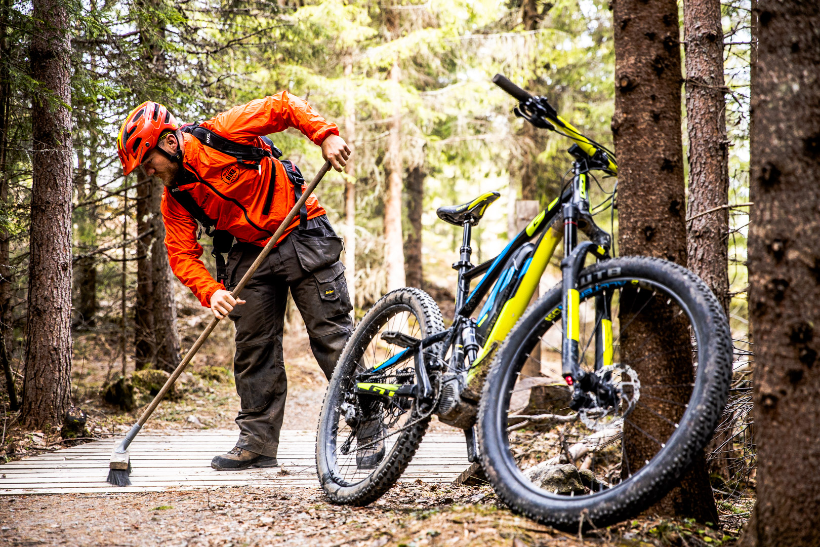 Norway's Trysil Bike Arena Employs Trail Patrollers to Keep Riders Safe and Trails Maintained - Singletracks Mountain Bike News