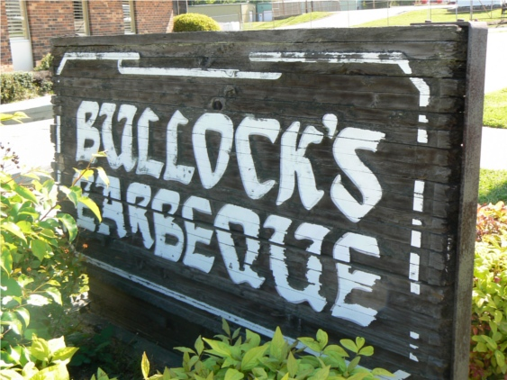 Bullocks_Sign
