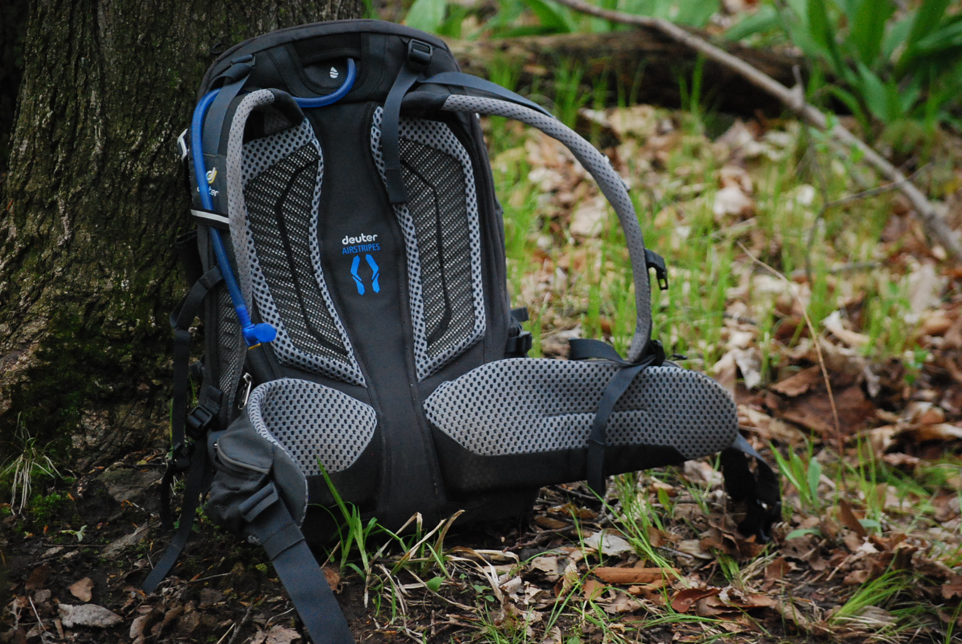 Review: The Deuter Trans Alpine Pro 28 Provides Comfort and Capacity for Epic Adventures - Singletracks Mountain Bike News