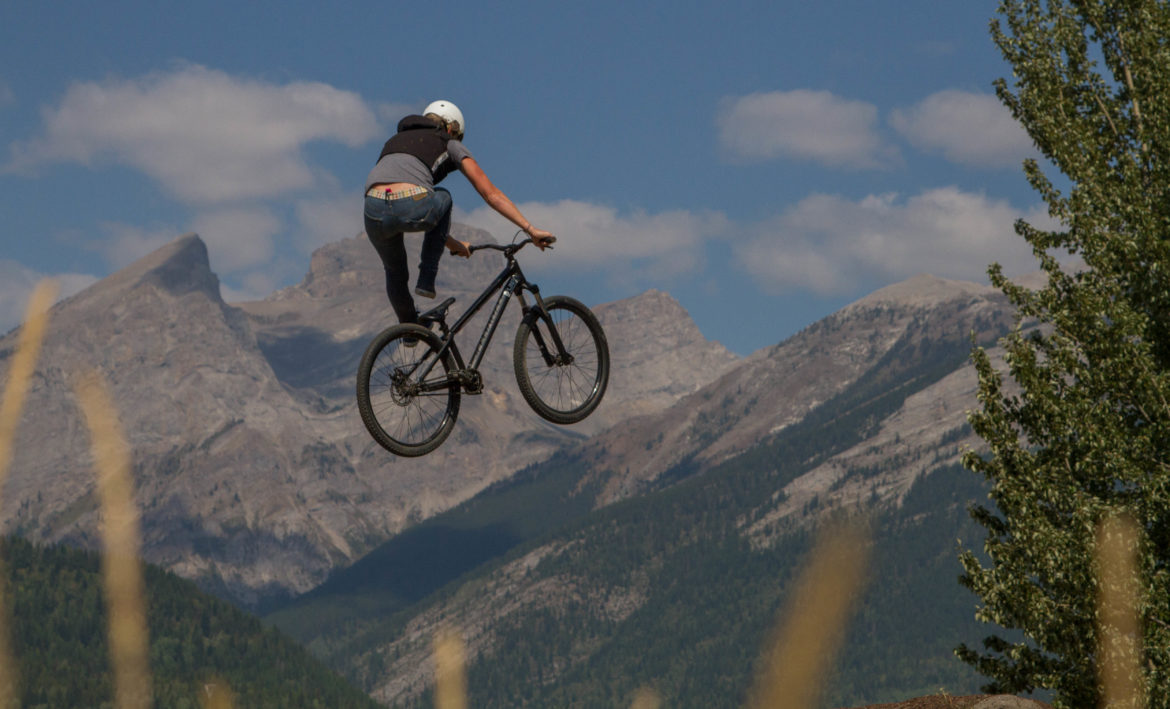 The Inaugural Women's Slopestyle Tour Drops in With a Series of Three Aerial Events - Singletracks Mountain Bike News