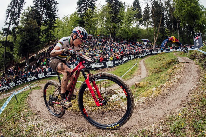 MTB News Mix: Trek Updates the Top Fuel, Kate Courtney wins First World Cup Round - Singletracks Mountain Bike News
