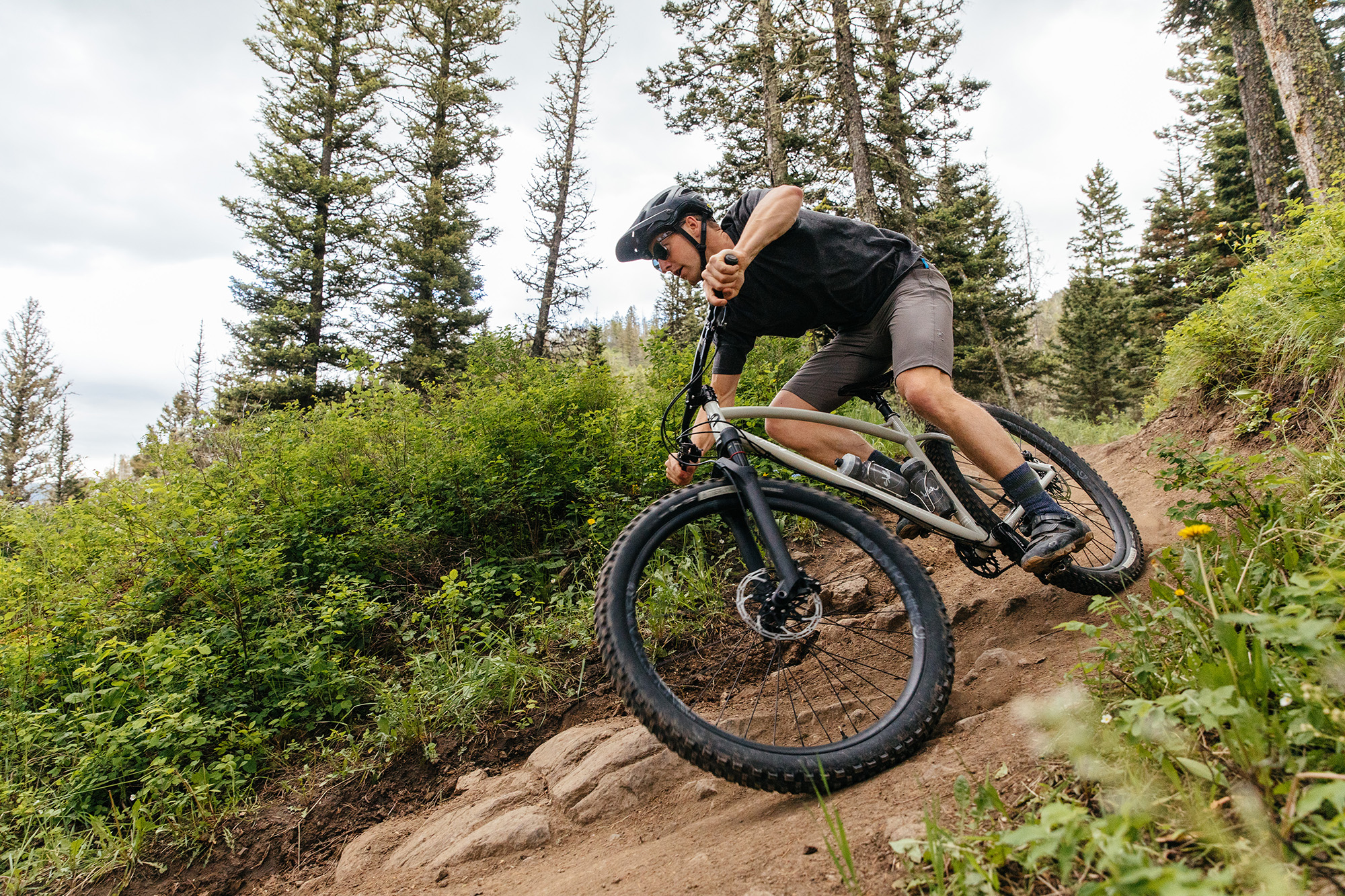 MTB News Mix: Sklar Bikes Finds Sweet Spot, Fun Apparel Prints by Zoic, an Affordable Alloy XC Bike - Singletracks Mountain Bike News