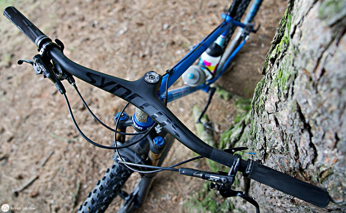 The Syncros Fraser Integrates Bar and Stem, Looks Sharp and Feels Light [Review] - Singletracks Mountain Bike News