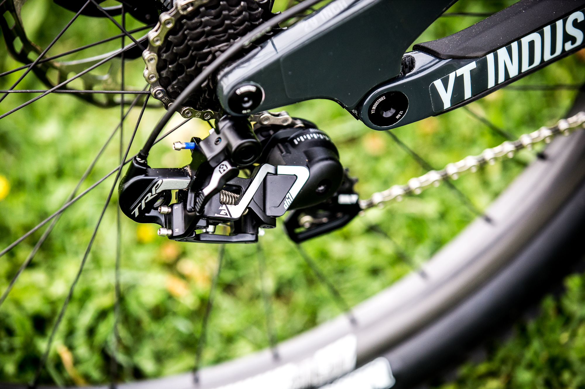 Tektro Racing Products Sprints into the MTB Drivetrain Market With a New 7-Speed, DH Derailleur and Shifter - Singletracks Mountain Bike News