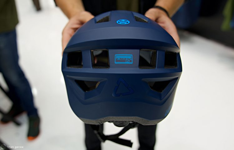 leatt helmet rear