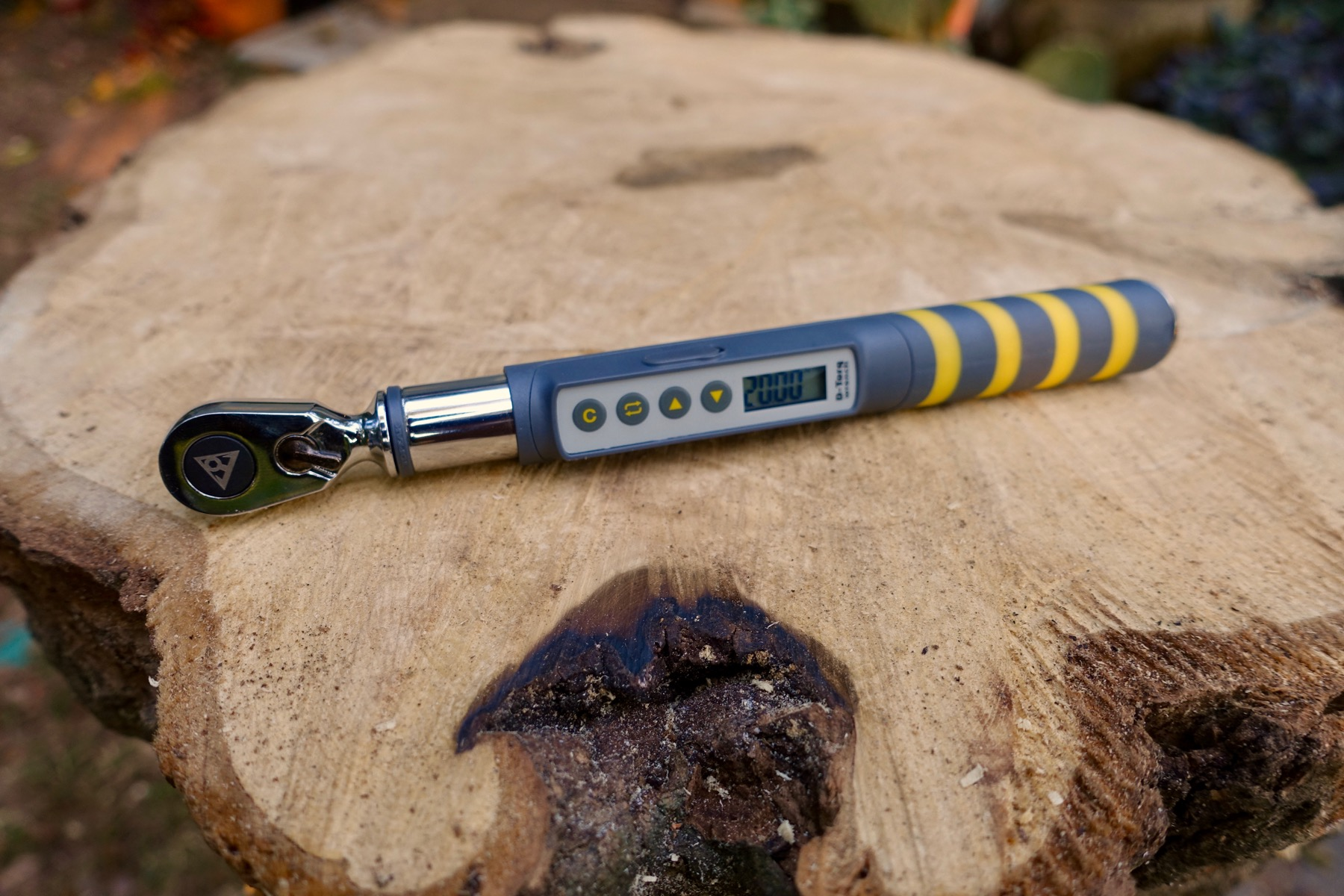 Topeak D-Torque Wrench has Digital Display, Ratcheting Head, and Bits for Just About Every Bike Bolt [Review] - Singletracks Mountain Bike News