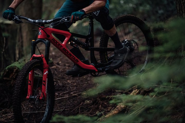 Demo Carbon Mountain Bike Wheels from Home, Coil Options for Marzocchi Fork, and a Vented Full-Face Helmet for Everyday Trail Rides [News Mix] - Singletracks Mountain Bike News