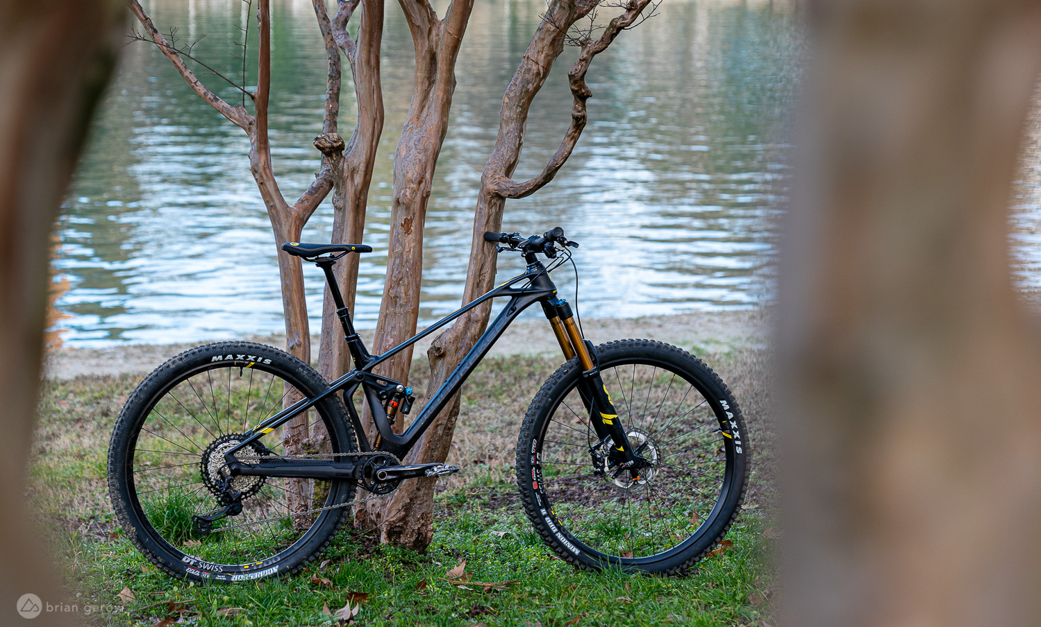 In For Test: Mondraker's Foxy RR Long Travel Carbon 29er - Singletracks Mountain Bike News