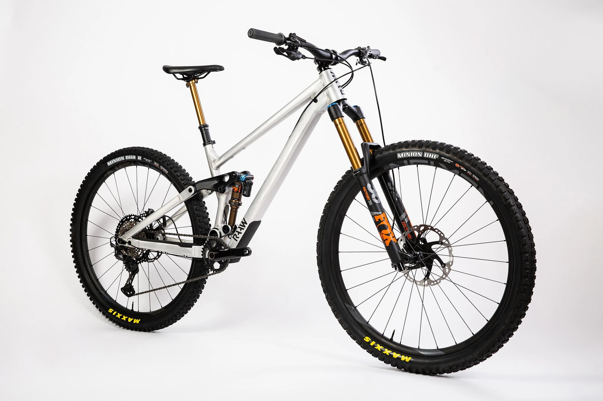 The New Madonna V2 From Raaw MTB is not Your Average Four Bar Enduro Whip - Singletracks Mountain Bike News